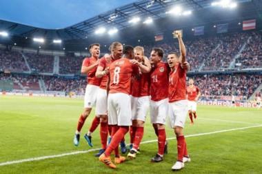 Austria amarga la reaparición de Neuer y mete en problemas a una Alemania en crisis.
