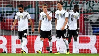 Alemania pierde ante Austria en el regreso de Manuel Neuer tras un año y 7 meses.