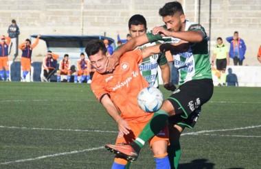 """Moreno y Germinal no se sacaron diferencias en la final de ida. El próximo sábado se define el campeón en """"El Fortín"""" de Rawson."""