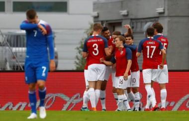 Noruega se quedó con el triunfo como visitante ante Islandia.