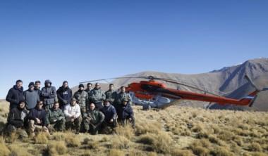 Los rescatistas ya pudieron llegar a la zona de Catamarca donde está desde ayer el helicóptero con la comitiva presidencial.