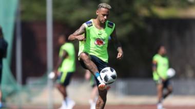 Neymar, figura de Brasil, intentará ser desequilibrante en el duro juego ante Bélgica.