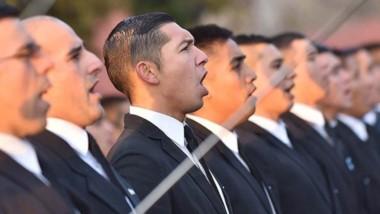 Ceremonia. Una postal de los aspirantes a cadetes que en Rawson juraron lealtad a la bandera argentina.