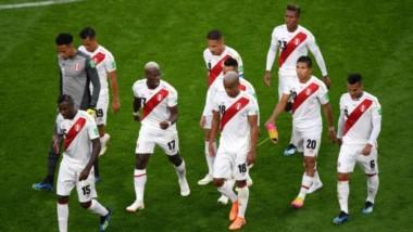 El peor final: Perú cayó 1-0 ante Francia y quedó eliminado del Mundial.