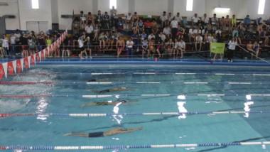 Dirigentes de la Fenach visitaron Chubut Deportes para dialogar sobre la organización de los proyectos en torno a competencias de natación.