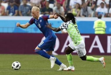 El triunfo de Nigeria le saca el respirador artificial a Argentina.