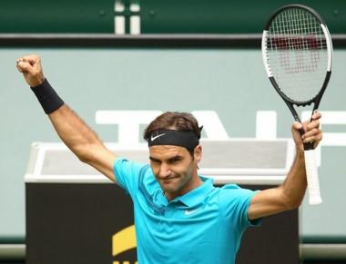 Federer sumó 20 victorias seguidas en césped y avanzó a la final Nº 149 de su carrera, la 12da en Halle, donde acumula 9 títulos.