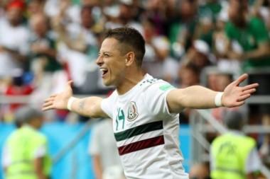 """""""Chicharito"""" anotó su gol número 50 con México. Convirtió en los últimos tres mundiales."""