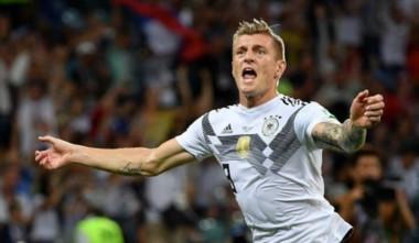 Kroos marcó un golazo en el último segundo del partido, para darle vida a Alemania.