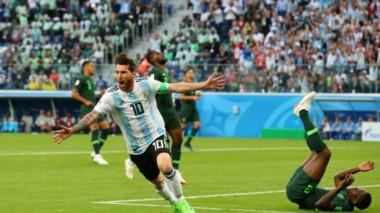 Con el gol ante a Nigeria, Messi igualó a Mario Kempes en tantos mundialistas. Ambos están igualados en el cuarto puesto de la Selección.
