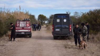 La mujer fue encontrada enterrada y envuelta en una frazada (foto Diario de la República)