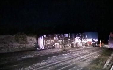 El camión volcó en una zona con nieve y escarcha (DC Golondrinas)