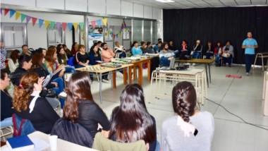 """Desde ayer, se dicta en Trelew el curso de """"Ajedrez como herramienta de inclusión"""", destinado a Centros Juveniles, al COSE y otras entidades."""