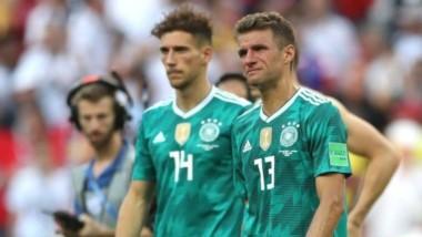 La tristeza alemana. Se quedaron afuera del Mundial y el técnico Low declaró que se lo merecían porque jugaron mal.