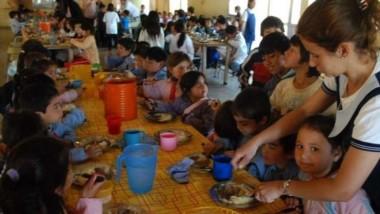 La población que asiste a alimentarse en comedores escolares o comunitarios aumentó un 4,5 por ciento, respecto del año pasado, según la UCA.