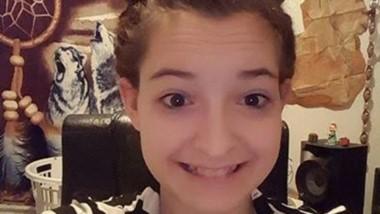 Samantha Ray Mears, de 19 años, ahora enfrenta seis cargos después de que las autoridades señalaran que la joven obligó a su exnovio a tener relaciones sexuales.