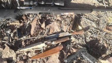 Un rifle calibre 223 y una pistola 9 mm. y balas fueron secuestradas.