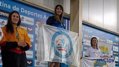 Julieta Lema en lo más alto del podio, como es habitual en ella. Juli rompió otro récord y sigue creciendo.