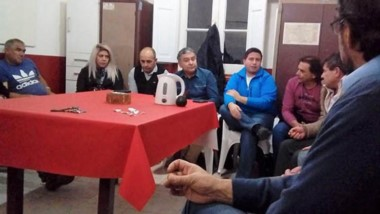 El diputado por Cambiemos Manuel Pagliaroni presidió el encuentro desarrollado en el Comité de Trelew.