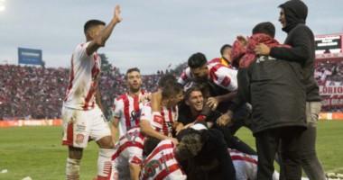 San Martín de Tucumán volvió a la primera división del fútbol argentino ,luego de 9 años en el ascenso argentino.