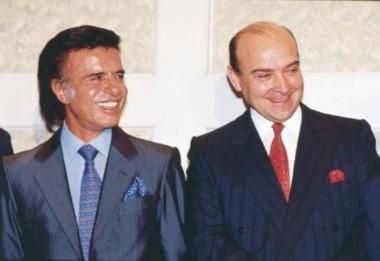El ex presidente y su superministro en los años '90. ¿De los trajes de seda al traje a rayas?