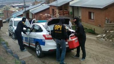 En el transcurso de la mañana de ayer, la Policía realizó un allanamiento en el barrio Matadero de Esquel.