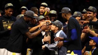 Sin piedad: los Warriors barren a LeBron y son los campeones de la NBA.