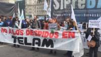 El juez laboral Santiago Zarza, desestimó una medida cautelar para dejar sin efecto los 354 despidos en la agencia de noticias Télam.