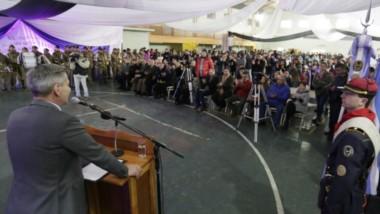 El gobernador participó del aniversario de Tecka y hoy volvería a verse con los intendentes de la Meseta en la ciudad de Puerto Madry n.