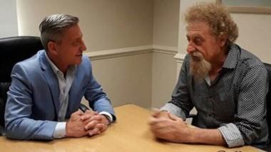 """El gobernador acordó con Luenzo sobre los beneficios de la AFIP y habló de minería. Pidió un """"debate serio"""" ante la necesidad en la Meseta."""