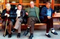 Los abuelos deberán seguir esperando sentados...