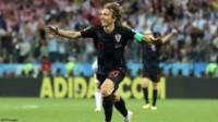 Con 32 años, hay jugadores que están pensando en irse a la MLS o China. Modric con esa edad levantó la Champions con Real Madrid y se clasificó a la final del Mundial con Croacia.
