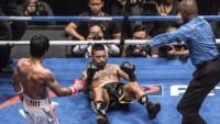 Después de perder todos los rounds, Matthysse recibió un uppercut zurdo y se fue a la lona por tercera vez en la pelea.