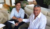 Tapia realizó una visita a las instalaciones del Marbella Football Center con el fin de establecer una sede de reclutamiento y entrenamiento en Europa.