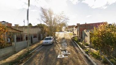 La vivienda del Pasaje Córdoba al 500 del barrio Oeste fue el escenario del sangriento episodio de ayer.