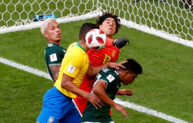 Brasil le gana a México en octavos y extiende la maldición azteca.