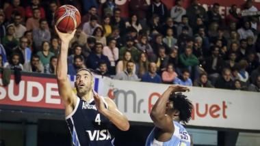 Victoria de Argentina sobre Uruguay por 102 a 58 para finalizar en el primer puesto del grupo A.
