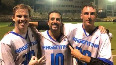 El trelewense Bruno Stretti, con la camiseta número 10 de Argentina.