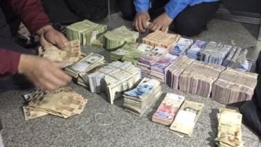 Además de las detenciones, se logró secuestrar una mochila con elementos del robo y un bolso con unos tres millones de pesos y 150 mil dólares.