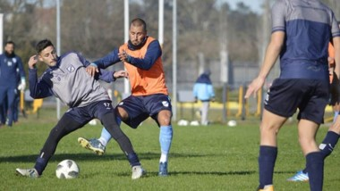 """Los suplentes de la """"Banda"""", que anteayer perdió ante Tigre por Copa Argentina, jugaron ante Temperley."""