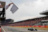 Hamilton se quedó con la victoria y recuperó el liderazgo de la Fórmula Uno.