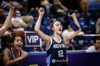 El festejo por el gran triunfo de la trelewense Martina Torres (12).