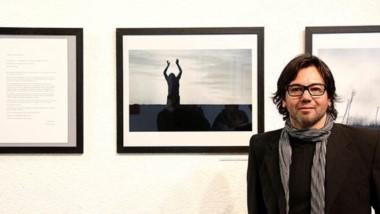 """Ariel Gómez exhibirá la Muestra """"El Tiempo"""" en en la Sala de exposiciones de la Alianza Francesa de Flores."""