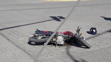 En Roca y 9 de Julio de Madryn, una camioneta y una moto chocaron.
