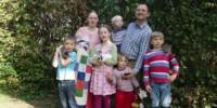 Sarah Schmid y su prolifera familia.
