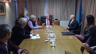Los ministros Mario Vivas y Miguel Donet con Federico Massoni.