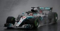 Hamilton firmó la 'pole' bajo la lluvia en Hungría.