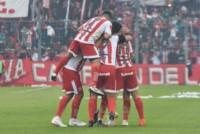 El Ciruja dio vuelta la historia ante Atlético Tucumán y se quedó con una nueva versión del partido más importante de la provincia norteña.