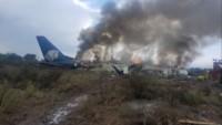 Un avión con un centenar de pasajeros se accidentó este martes tras un despegue fallido desde el aeropuerto internacional de Durango. (Redes, diario Milenio)