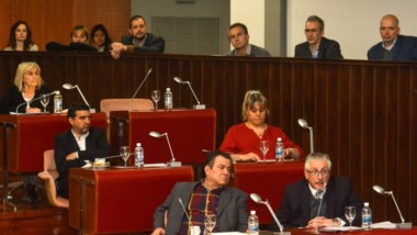 El ministro de Salud estuvo acompañando desde el palco la sesión en donde se sancionó la ley para cubrir las vacantes en servicios esenciales.
